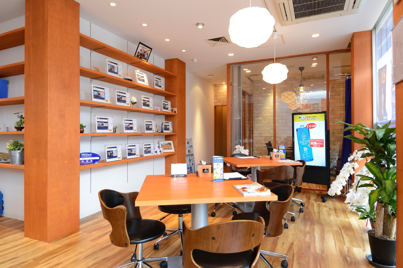 デザイン力とBIM技術のタッグで、カフェのような不動産店舗が完成。開業後の集客も予想を超える結果に