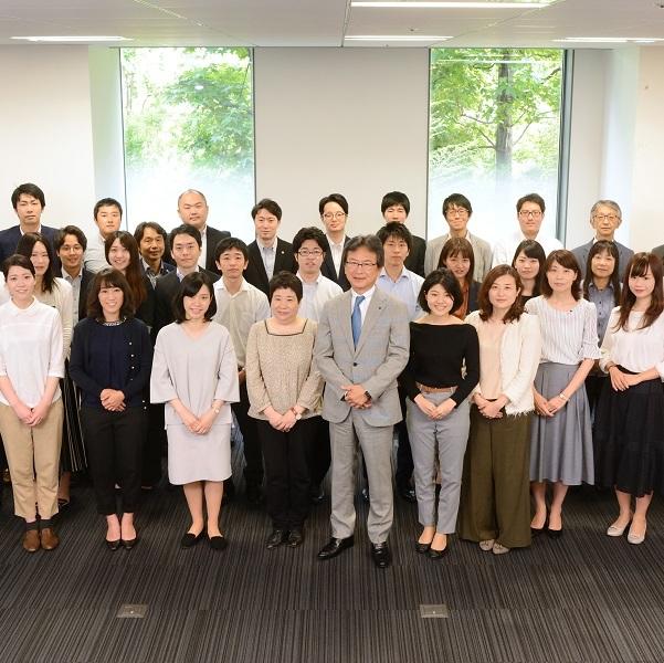 三井・住友両グループに属する唯一のゼネコン。<br/>設計、工事、営業の一体化で究極品質を提供