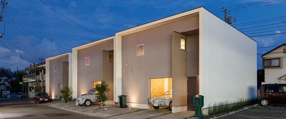 お気に入りのライフスタイルを叶える<br/>屋内ガレージ付きDIY賃貸住宅が、<br/>土地オーナーと借り手から大絶賛!